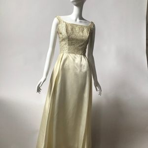 VTG Ivory Gown/ Wedding Dress From 50s/ 60's